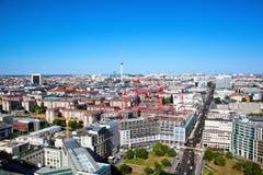 Berlin-Panorama. Berlin Cathedral und Fernsehturm lizenzfreies stockfoto