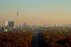 Berlin Panorama met Tiergarten-park royalty-vrije stock afbeeldingen