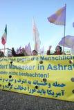 berlin personer som protesterar Royaltyfri Fotografi