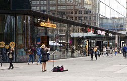 Berlin Rathausstrasse, girl playing violin Stock Images