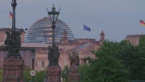 Berlin Reichstag At Sunset almacen de video