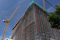 berlin 06/14/2008 Rusztowanie i żurawie na budowie zdjęcie royalty free