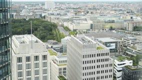 BERLIN, SIERPIEŃ - 21: Panorama Potsdamer Platz w Berlin zdjęcie wideo