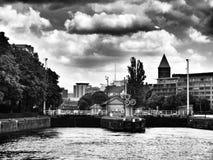 Berlin sight Konstnärlig blick i svartvitt Arkivbild