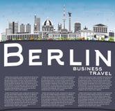 Berlin Skyline con lo spazio di Gray Buildings, del cielo blu e della copia Immagine Stock Libera da Diritti