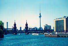 Berlin Skyline Oberbaumbruecke Royalty-vrije Stock Foto
