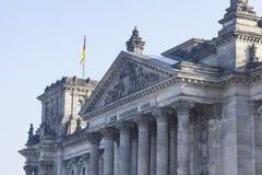 BERLIN TYSKLAND - APRIL 11, 2014: Reichstag byggnad Royaltyfri Bild