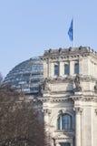 BERLIN TYSKLAND - APRIL 11, 2014: Reichstag byggnad Fotografering för Bildbyråer