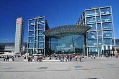 Berlin Tyskland. Central järnväg station Arkivfoto