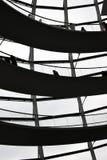BERLIN TYSKLAND - December 17 2017: Inre sikt av kupolen i Reichstag byggnad Arkivfoton