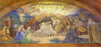 BERLIN TYSKLAND, FEBRUARI - 14, 2017: Freskomålningen av Kristi födelse i den kyrkliga Rosenkranz basilikan Fotografering för Bildbyråer