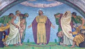 BERLIN TYSKLAND, FEBRUARI - 14, 2017: Mosaiken av Jesus Förlossare på den västra fasaden av Dom av den okända konstnären Arkivfoton