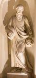 BERLIN TYSKLAND, FEBRUARI - 12, 2017: Statyn av profeten Samuel på fasaden av kyrkliga Deutscher Dom Royaltyfri Foto