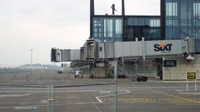 BERLIN TYSKLAND - JANUARI 17th, 2015: Berlin Brandenburg Airport BER, fortfarande under konstruktion, tom slutlig byggnad och royaltyfria foton