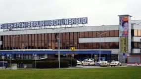 BERLIN TYSKLAND - JANUARI 17th, 2015: Slutlig byggnad av Schoenefeld den internationella flygplatsen SXF är det andra - störst Royaltyfria Foton