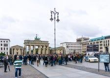 BERLIN TYSKLAND Oktober 8, 2016: Brandenburg port (Brandenburge Arkivfoto