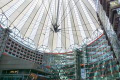 BERLIN TYSKLAND Oktober 8, 2016: Potsdamer Platz är ett importan Royaltyfria Bilder