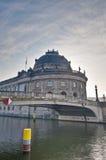 berlin varslar det germany lokaliserade museet Royaltyfria Bilder