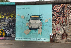 The Berlin wall (Berliner Mauer) with grafitti Royalty Free Stock Photos