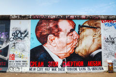 The Berlin wall (Berliner Mauer) with grafitti Royalty Free Stock Images
