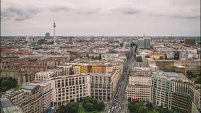 BERLIN, WRZESIEŃ - 15: Czasu upływ, dachowy odgórny widok centrum miasta, Wrzesień 15, 2017 w Berlin, Niemcy zbiory
