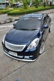 Berline bleue de voiture d'ECO dans le style de VIP Photos stock