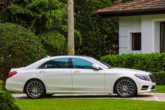 Berline de luxe de classe de Mercedes S Photographie stock libre de droits
