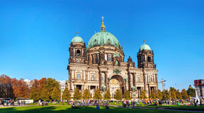 Berliner Dom panoramic overview on a sunny day Stock Photography