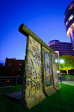 Berliner Mauer nachts Lizenzfreies Stockfoto