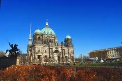 BerlinerDom, den berömda historiska domkyrkan av Berlin Royaltyfria Bilder