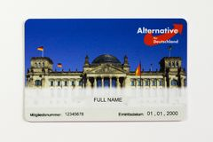 Berlino, Germania 06 08 2018: Alternativa di AFD per la parte anteriore della carta di appartenenza della Germania Immagini Stock