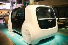 Berlino, Germania 15 febbraio 2018: Forum di Volkswagen Group dell'esposizione automatica Un nuovo concetto dell'automobile drive immagine stock libera da diritti
