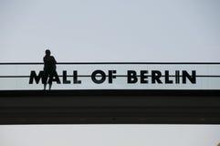 BERLINO, GERMANIA, il 10 maggio 2016, centro commerciale di Berlino Immagini Stock Libere da Diritti