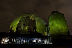BERLINO, GERMANIA, IL 9 OTTOBRE 2013: Berlin Light Art Festival sul planetario, Zeiss-Großplanetarium Immagini Stock Libere da Diritti
