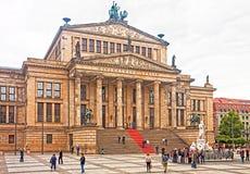 Berlino, vista della sala da concerto neoclassica immagini stock libere da diritti