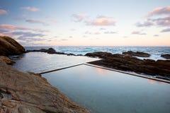 Bermagui Blauwe Pool stock afbeelding
