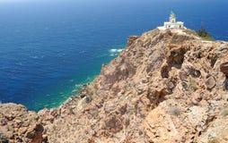 Berömd fyr av Faros på Santorini Royaltyfri Fotografi