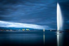 Berömd springbrunn i Geneva. Arkivfoton