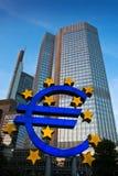 berömdt frankfurt för euro tecken Royaltyfri Fotografi