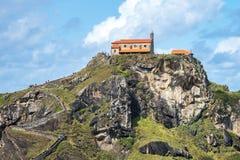 Bermeo, Baskisch Land, Spanje: Klooster van San Juan de Gaztelugatxe stock foto