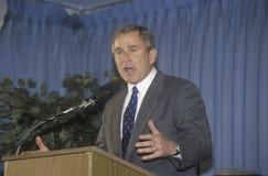 bern carolina dixon george hus ny norr w Bush som talar på Rotary Club, Portsmouth, NH i 2000 Royaltyfria Foton