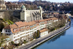 Bern Muenster plattform vid den Aare floden Royaltyfri Bild