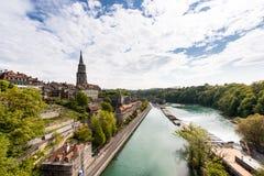 Bern-Stadt entlang Aare-Fluss in Bern, die Schweiz Stockfotografie