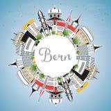 Bern Switzerland City Skyline con le costruzioni di colore, cielo blu e Fotografia Stock