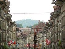 Bern, Szwajcaria 08/02/2009 Perspektywiczny widok ulica fotografia stock