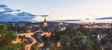 Berna en la noche imagen de archivo libre de regalías