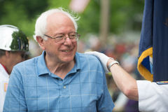 Bernie em Warren 4o da parada de julho Imagens de Stock Royalty Free