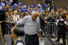 Bernie Sanders Speaks bij Presidentiële Verzameling, Modesto, CA Stock Afbeelding