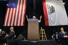 Bernie Sanders Speaks på presidents- samlar, Modesto, CA Arkivbild