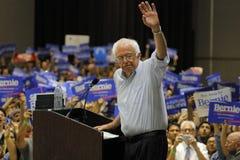 Bernie Sanders Speaks på presidents- samlar, Modesto, CA Arkivfoton